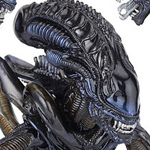Alien Warrior - Revoltech SFX